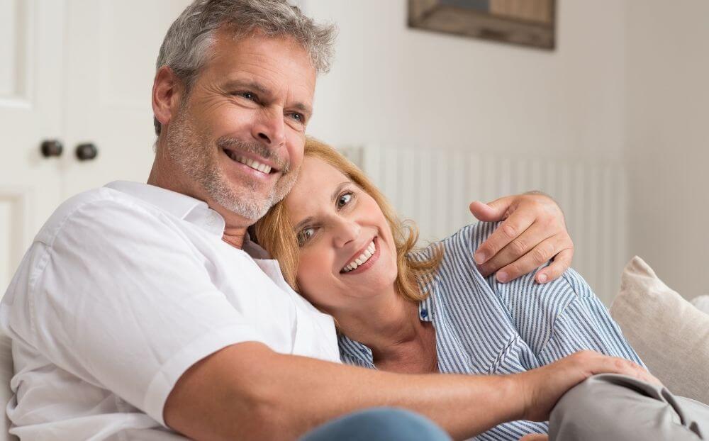 Εμμηνόπαυση - Ανδρόπαυση: Παύση ή Επανεκκίνηση;