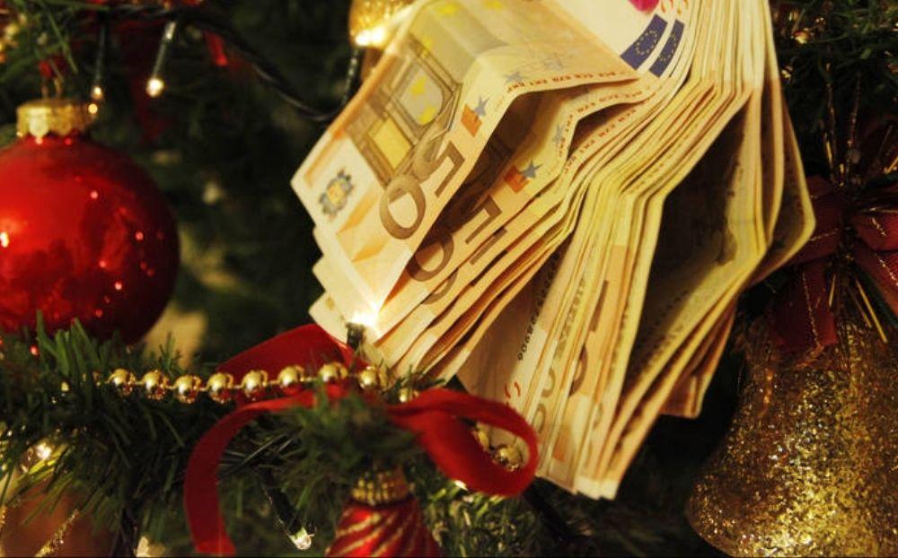 Έκτακτο επίδομα Χριστουγέννων: Οι δικαιούχοι και η ημερομηνία πληρωμής